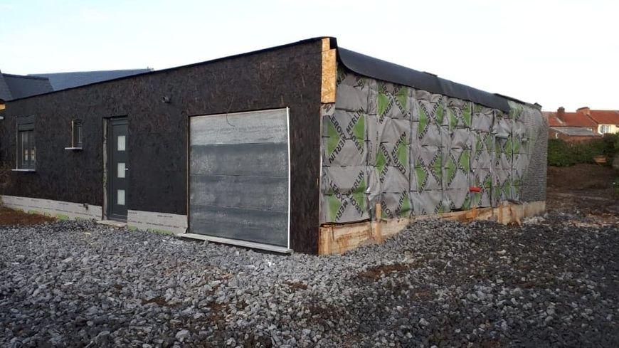 Des Maisons Construites Dans Des Containers Maritimes Une