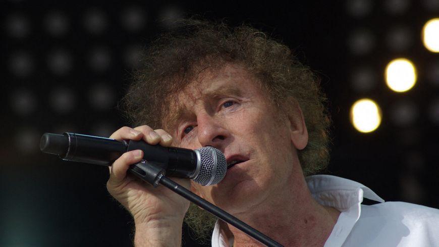 Alain Souchon a écrit une chanson sur la Mayenne en 1983.