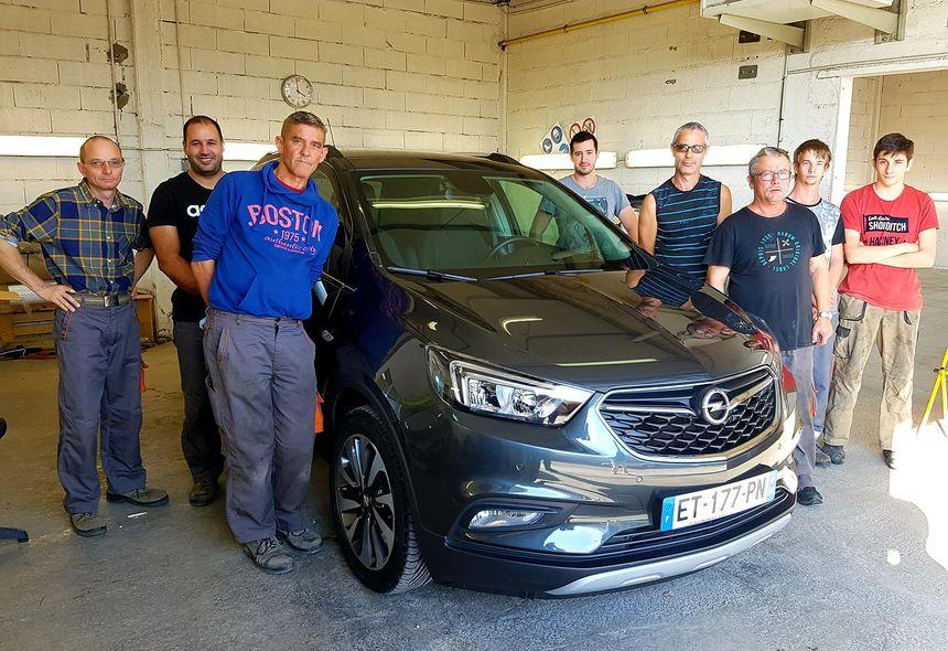 L'équipe du secteur Lavage auto de l'ÉSAT de Cavaillon