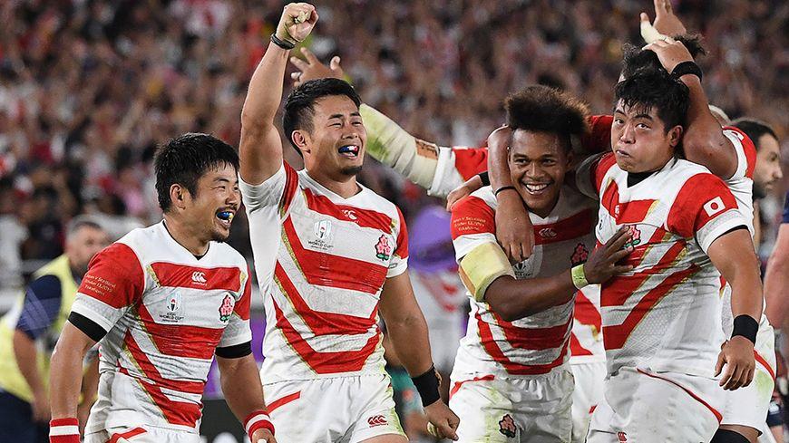 Les Japonais, derniers qualifiés pour les quarts de finale de la Coupe du monde de rugby, les premiers de leur histoire.