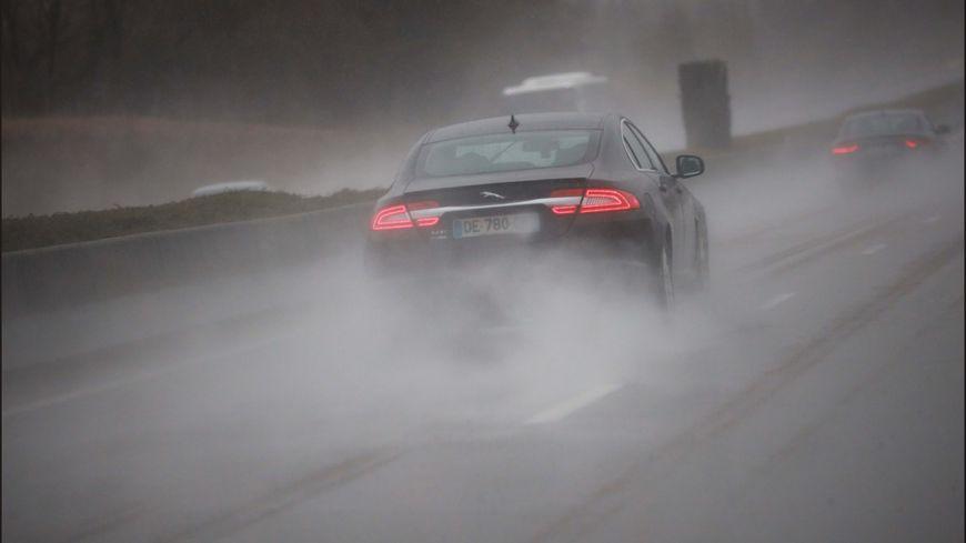 Photo d'illustration de fortes pluie sur l'autoroute