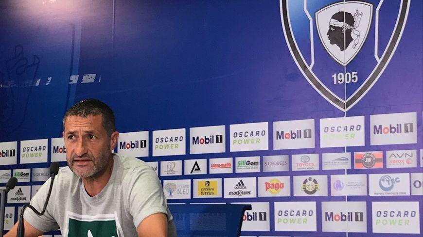 Stéphane Rossi ne sera plus l'entraîneur du Sporting.