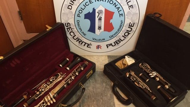 Ce mardi 15 octobre, les policiers d'Annecy en Haute-Savoie ont interpellé deux personnes qui tentaient de revendre des clarinettes volées il y a 4 ans. (Photo Police Annecy)