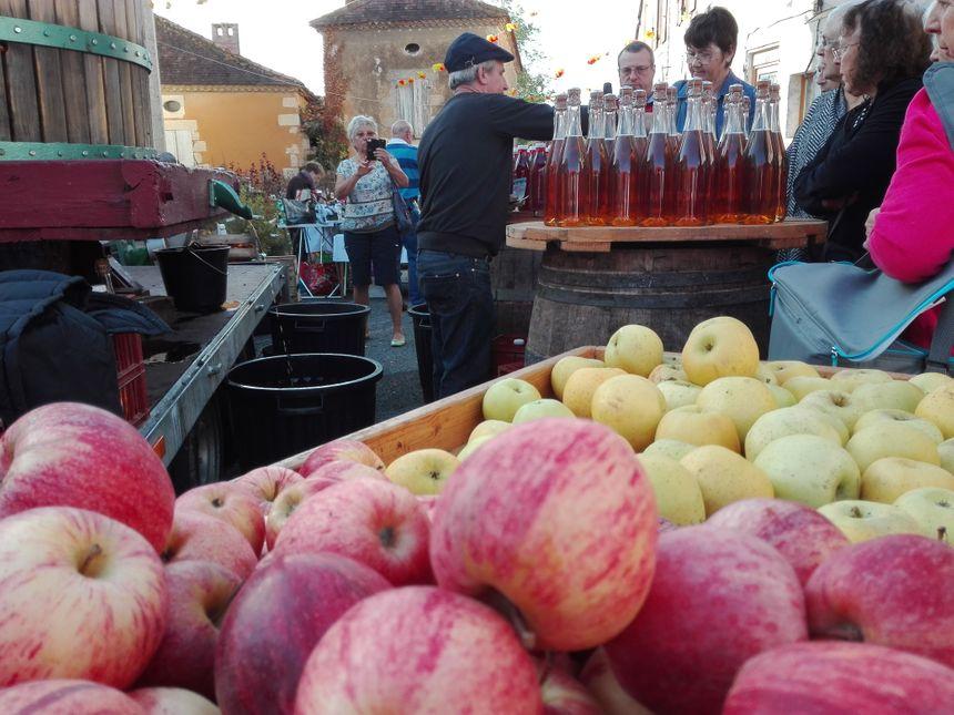 Il y aussi du jus de pomme et du cidre !