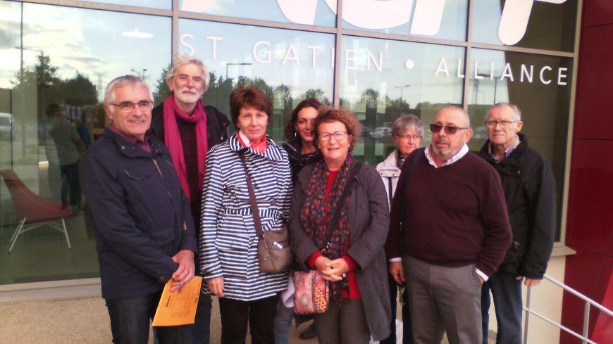 La délégation du collectif opposé au parking payant de la clinique de l'Alliance à Saint-Cyr-sur-Loire