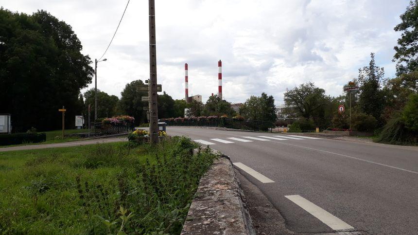 L'usine Solvay à Tavaux (Jura) est voisine de la commune de Damparis.