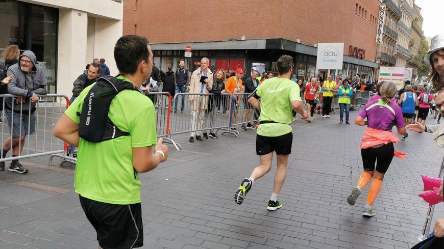 Deux drames ont endeuillé des courses à pied organisées ce dimanche dans la région. Deux coureurs sont morts, victimes d'un malaise cardiaque à Toulouse et à Barran (Gers)