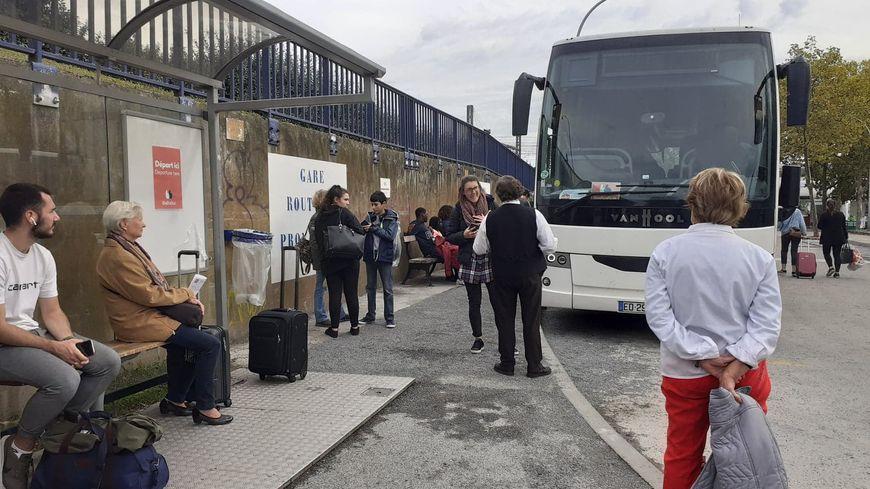 La gare routière de Bordeaux prise d'assaut.
