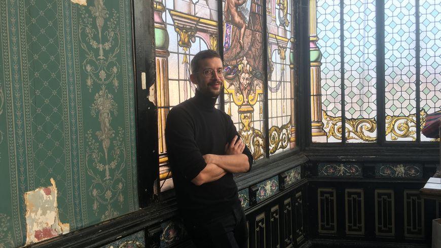 """Peter Dourountzis a décidé de tourner son film """"Vaurien""""  entièrement à Limoges et notamment dans l'immeuble du Cercle de l'Union et Turgot place Jourdan."""