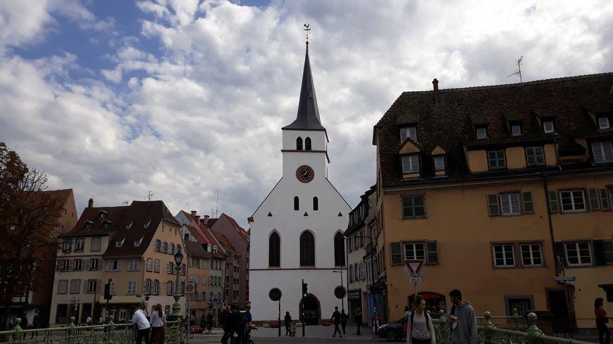 L'église strasbourgeoise St Guillaume et son clocher de guingois