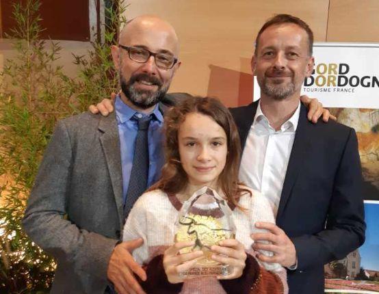 Fabrice Placet, Laurent Lafarge et sa fille Zoé pendant la remise du prix