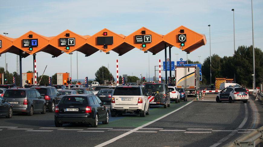 L'un des péages de l'autoroute AP7 en Catalogne