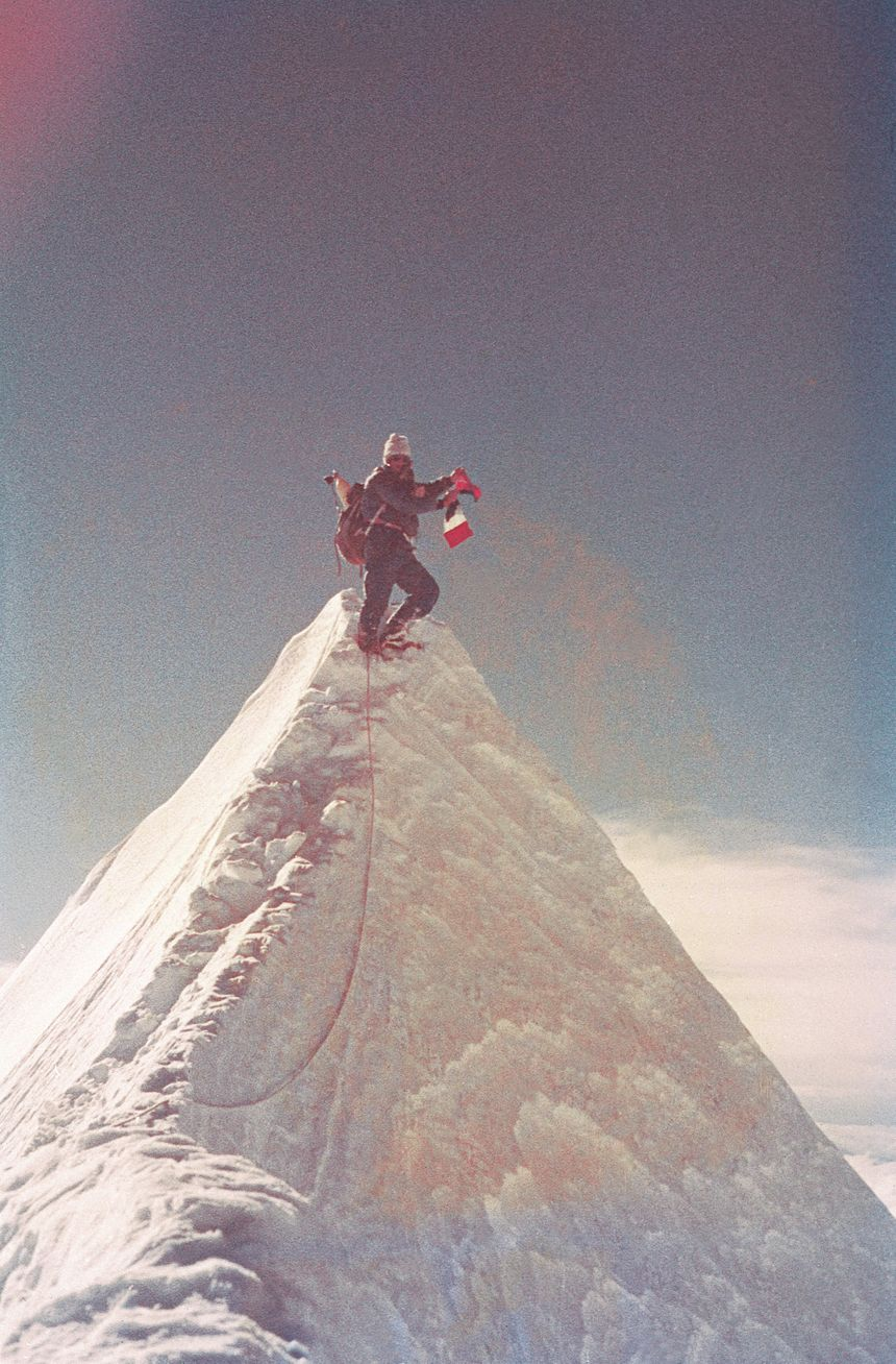 Robert Paragot au sommet du Jannu en 1962