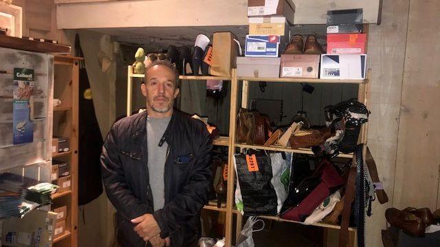 """Gilles Ducos, le propriétaire du """"Chausse-pied"""" à Mont-de-Marsan ne sait toujours pas quand il pourra retravailler dans son atelier."""