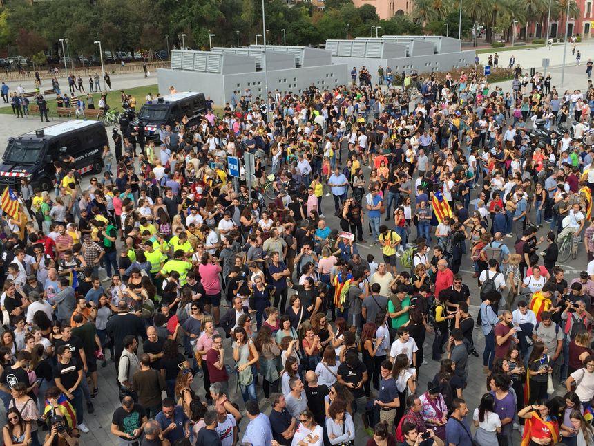 Manifestation à proximité de la gare ferroviaire de Gérone