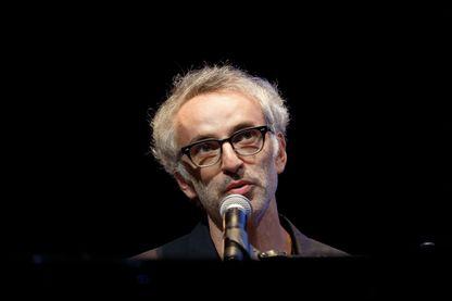 L'auteur-compositeur-interprète Vincent Delerm se produit sur scène pendant le 10ème festival de cinéma lumière le 19 octobre 2018 à Lyon.