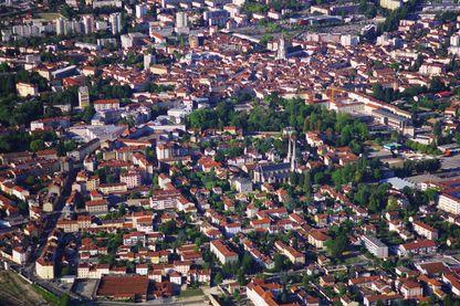 "Bourg-en-Bresse : doit-on dire ""Bourk en Bresse"" ou ""brourenbresse""  ? La réponse d'Aain Rey"