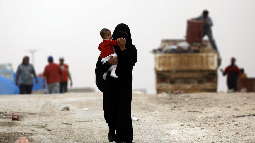 Nora et son bébé de deux ans ont quitté le camp de Aïn Issa ce dimanche (photo d'illustration)