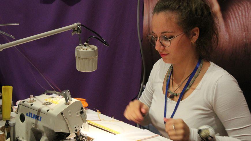 Un salon était organisé à Châteauroux pour faire découvrir les métiers du textile et de la maroquinerie