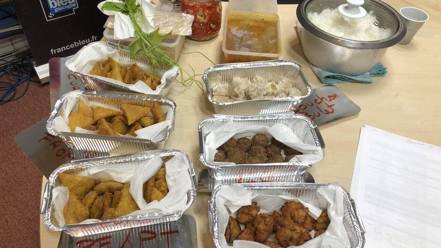 Remi Et Lea Gerants Du Food Truck L Ile O Sambos De La Cuisine