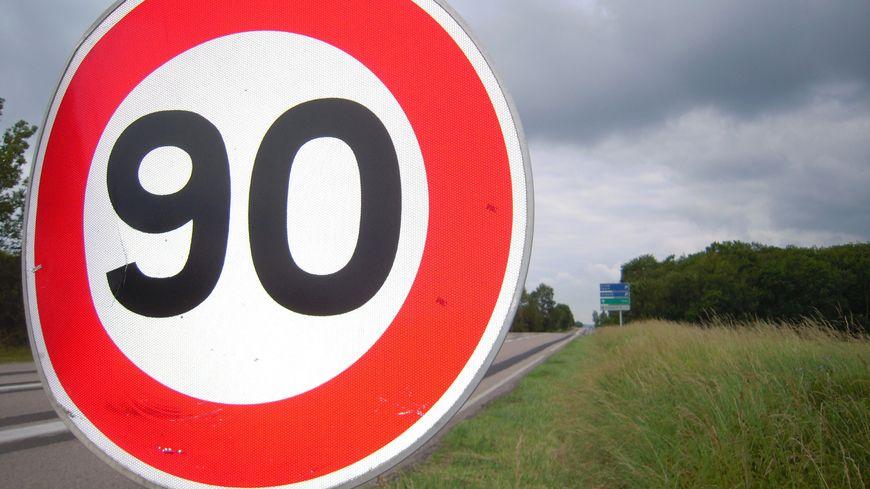 Panneau à 90 km/h (illustration)