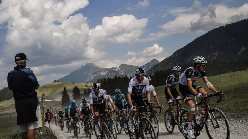 La montée du plateau des Glières, lors de la 105e édition du Tour de France.