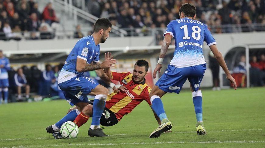 Match nul 0-0 entre Lens et l'AJA ce lundi soir.