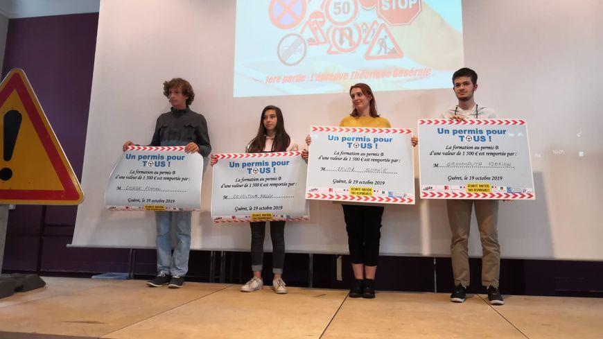 Florian Dorge, Kelly Devautour, Sophie Laval et Florian Grammauta ont remporté un bon pour un permis de conduire,  ce samedi à Guéret