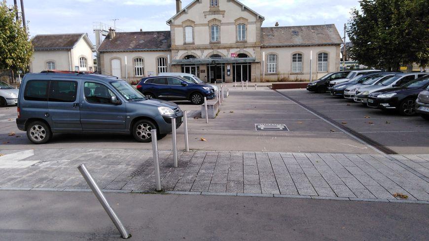 Le parking de la gare de la Souterraine