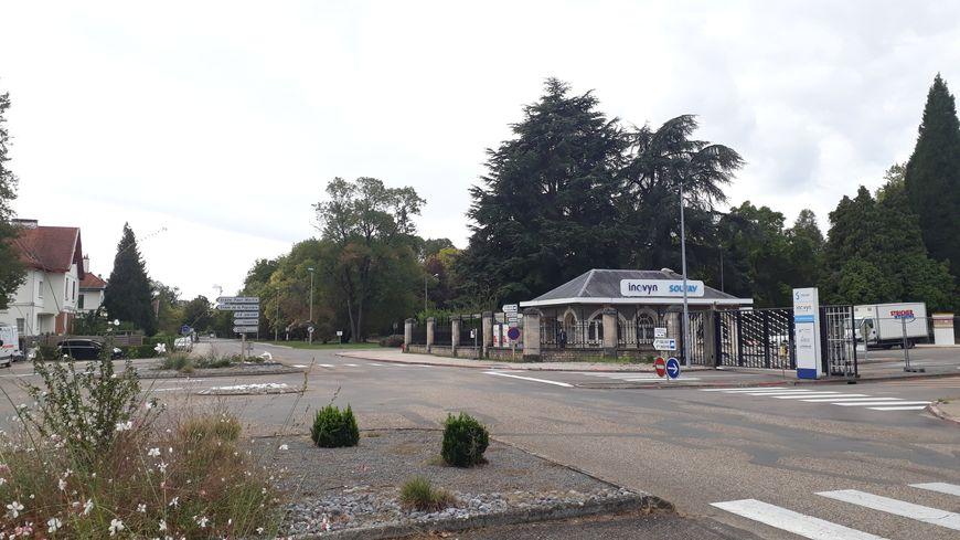 Entrée de l'usine Solvay à Tavaux (Jura), classée Seveso seuil haut