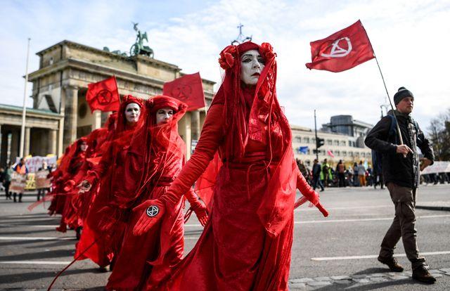 Manifestation à Berlin devant la porte de Brandebourg, le 11 octobre.