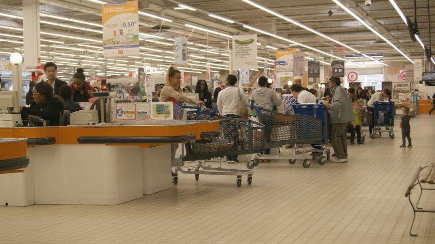 Deux consommateurs sur trois font les courses une fois par semaine