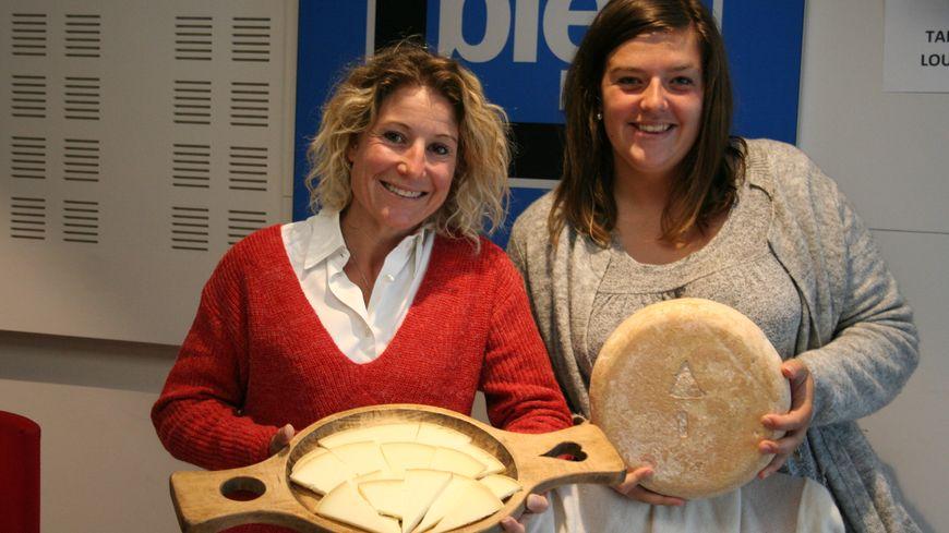 Quitterie Mondeu et Julie Castaing pour la foire aux fromages de Laruns
