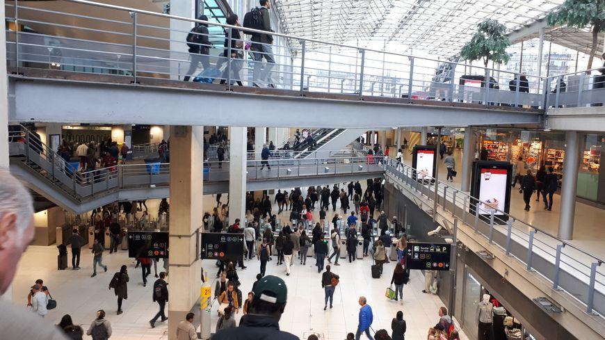Des problèmes de signalisation à la Gare du Nord perturbent les lignes B et D du RER