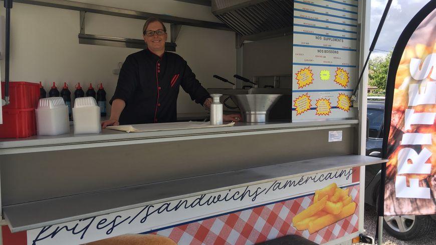 Sabrina Mourche, originaire de Calais, fait découvrir les frites cuites au gras de boeuf aux Bourguignons