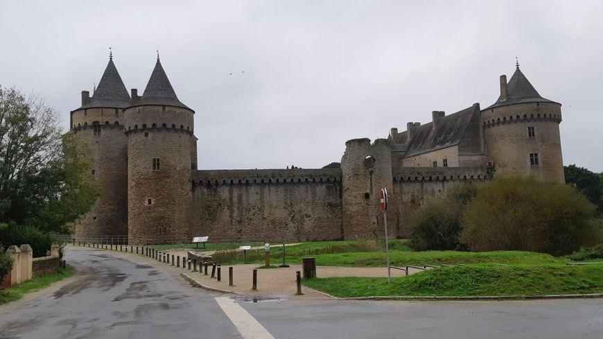 Le château de Suscinio, à Sarzeau, dans le Morbihan, situé à quelques centaines de mètres de la mer
