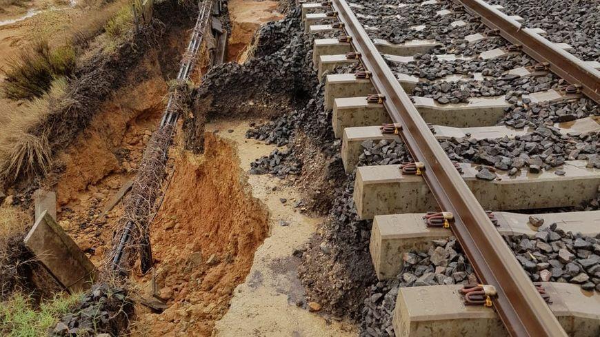 Entre Narbonne et Sète, les voies ont été fortement endommagées.