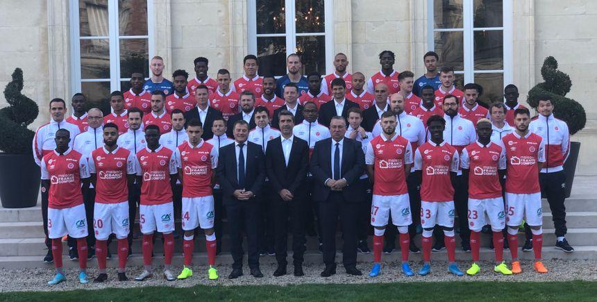 La photo officielle de la saison 2019-202à avec l'ensemble du staff.