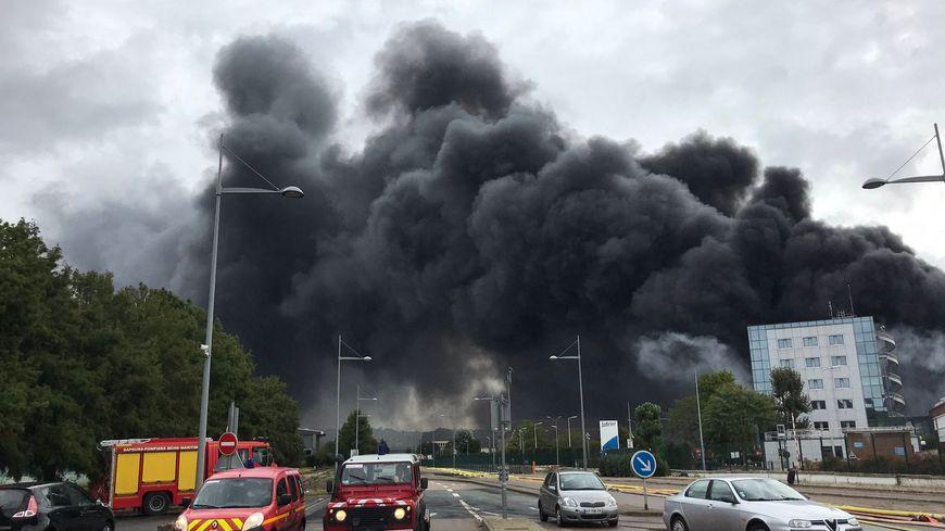 Edouard Philippe ce vendredi à Rouen, pour évoquer les indemnisations un mois après l'incendie à l'usine Lubrizol