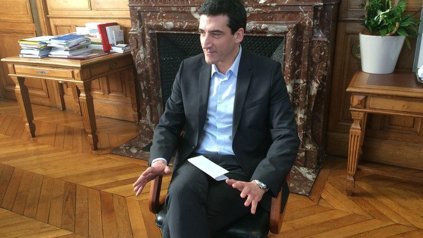 Jérôme Baloge a été élu à la mairie de Niort en 2014