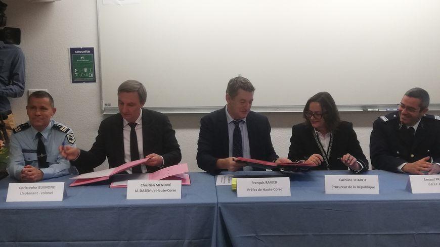 Une convention signée entre les divers partenaires : Education Nationale, Parquet, Gendarmerie, Police et Préfecture