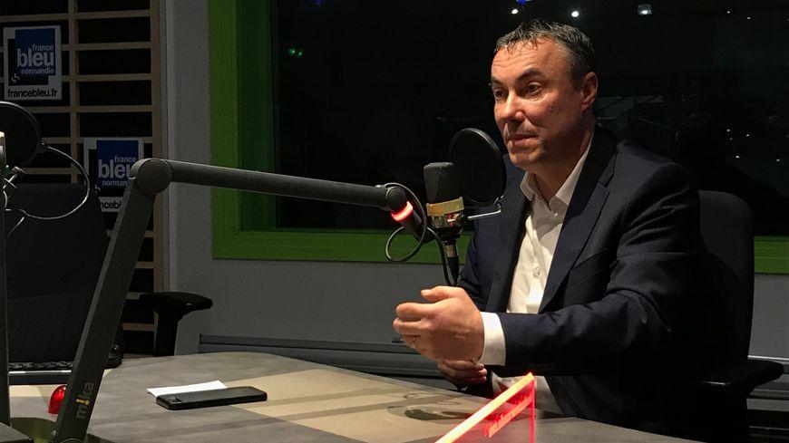 L'entrepreneur Jean-Louis Louvel, candidat aux élections municipales à Rouen,  dans les studios de France Bleu Normandie le 15/10/19.