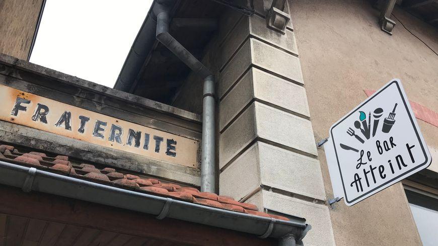 Le Bar Atteint, rue de la Savoureuse à Belfort.