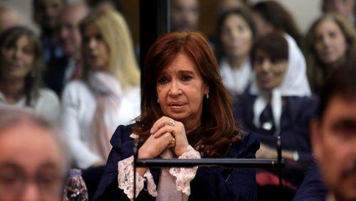 """Argentine : """"Les cahiers de la corruption"""" réapparaissent quelques jours avant les élections"""