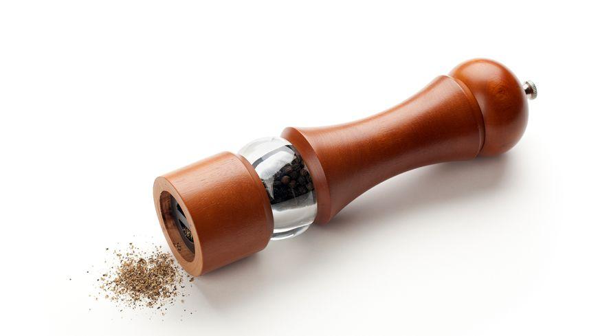 La saveur du poivre révélée par le moulin à poivre