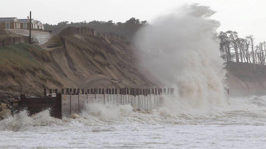 En France, l'élévation du niveau de la mer menace un million de personnes.