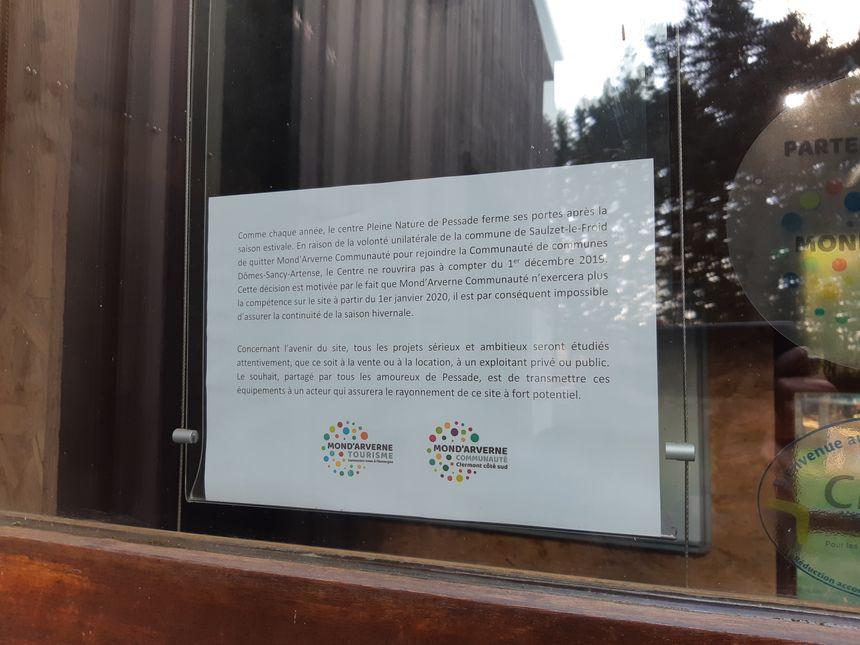 L'avis de fermeture placardé sur la porte d'entrée du site de Pessade.