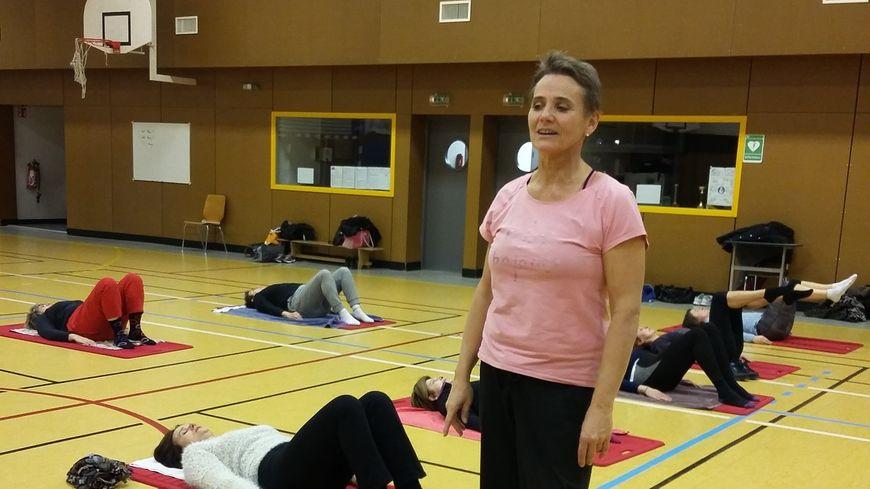 Nathalie Collot enseigne la méthode Pilates.