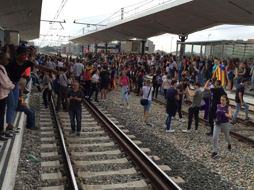 Occupation des voies de la gare TGV de Gérone par les indépendantistes