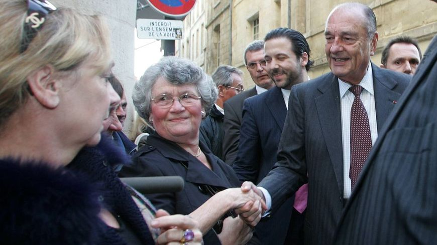 Jacques Chirac en visite à Bordeaux en 2009 pour une séance de dédicaces à la librairie Mollat.